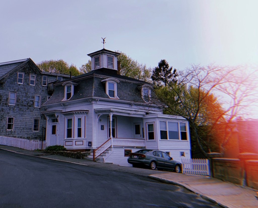 Image of Max's from Hocus Pocus house.