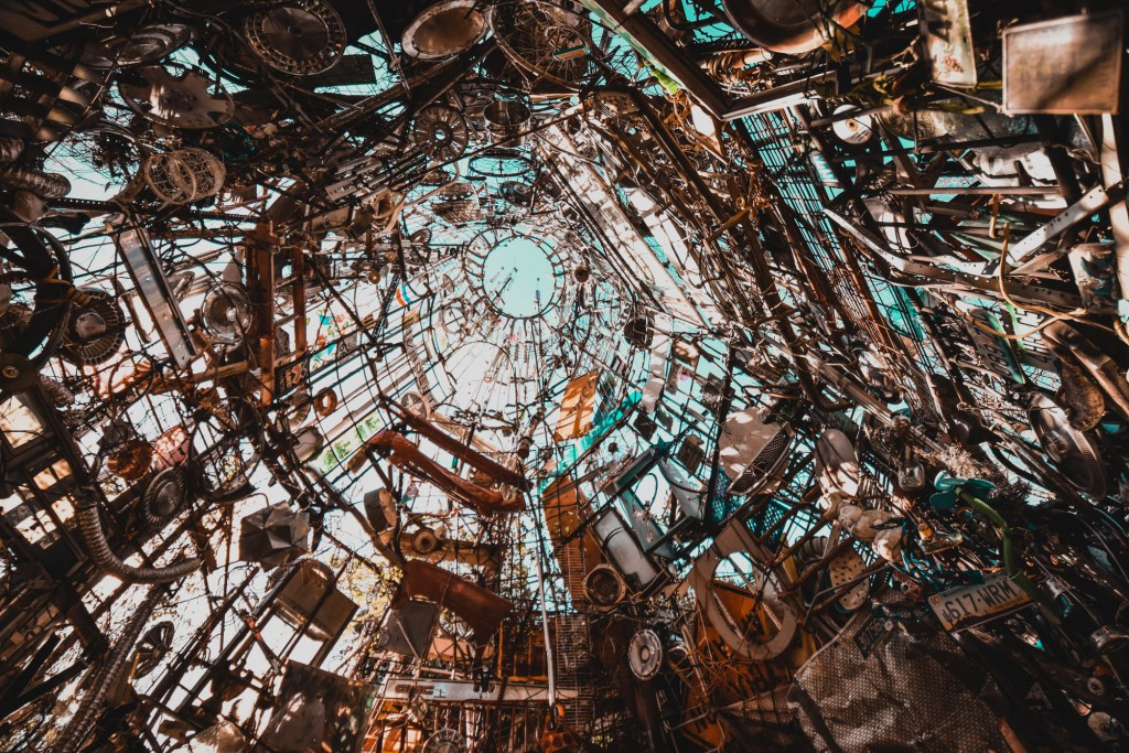 Image of all the junk in the Cathedral of Junk.