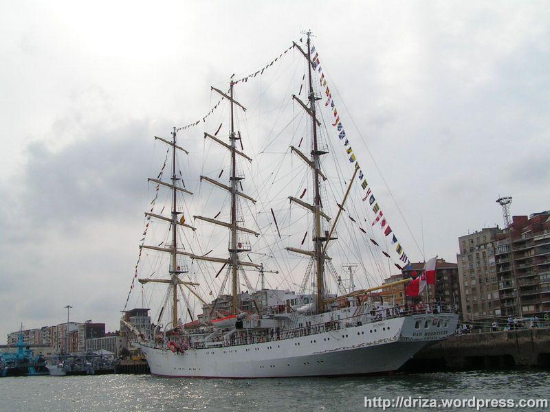Dar Mlodziezy, buque escuela polaco