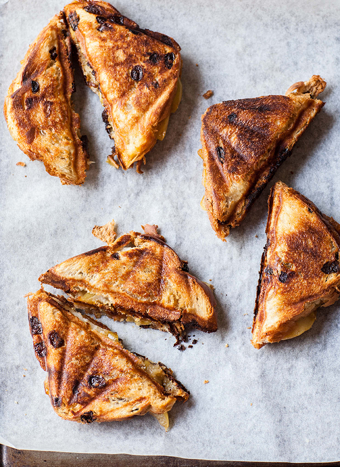 caramelized pear and gorgonzola toasties