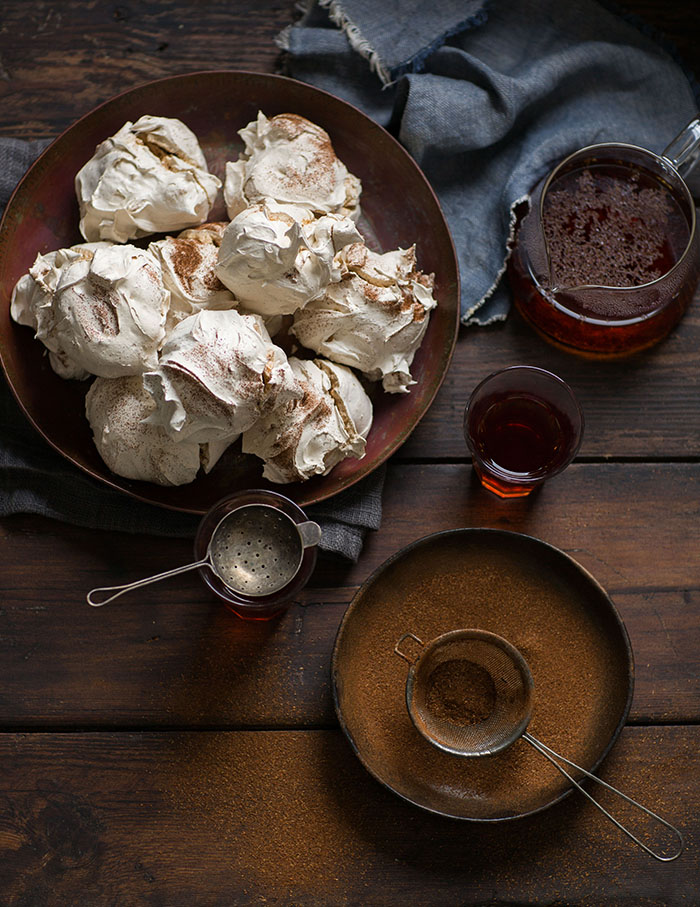 rooibos tea meringues with rooibos and white chocolate ganache