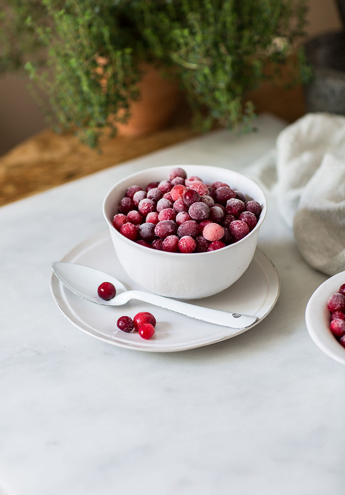 Frozen cranberries to make cranberry jelly