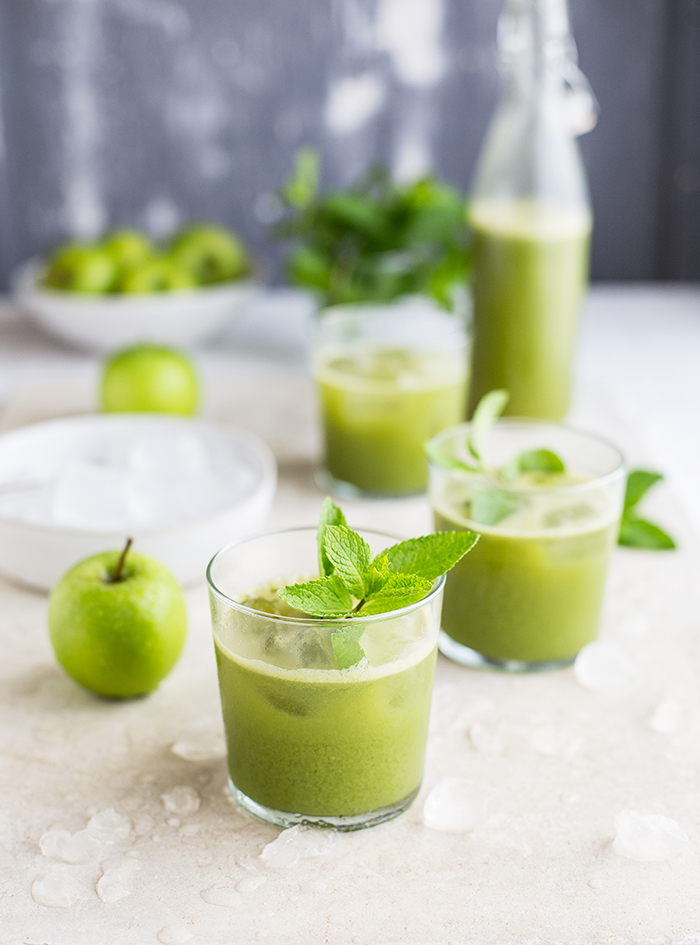 green juice with cucumber, celery, mint & ginger