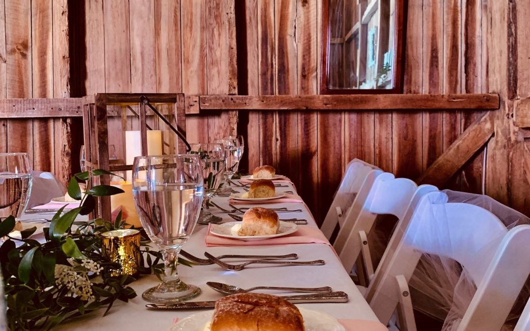 Table setting with bread