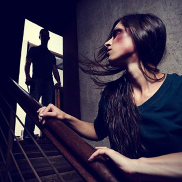 Znaci opasnosti na početku veze (Osam znakova upozorenja na zlostavljački odnos)