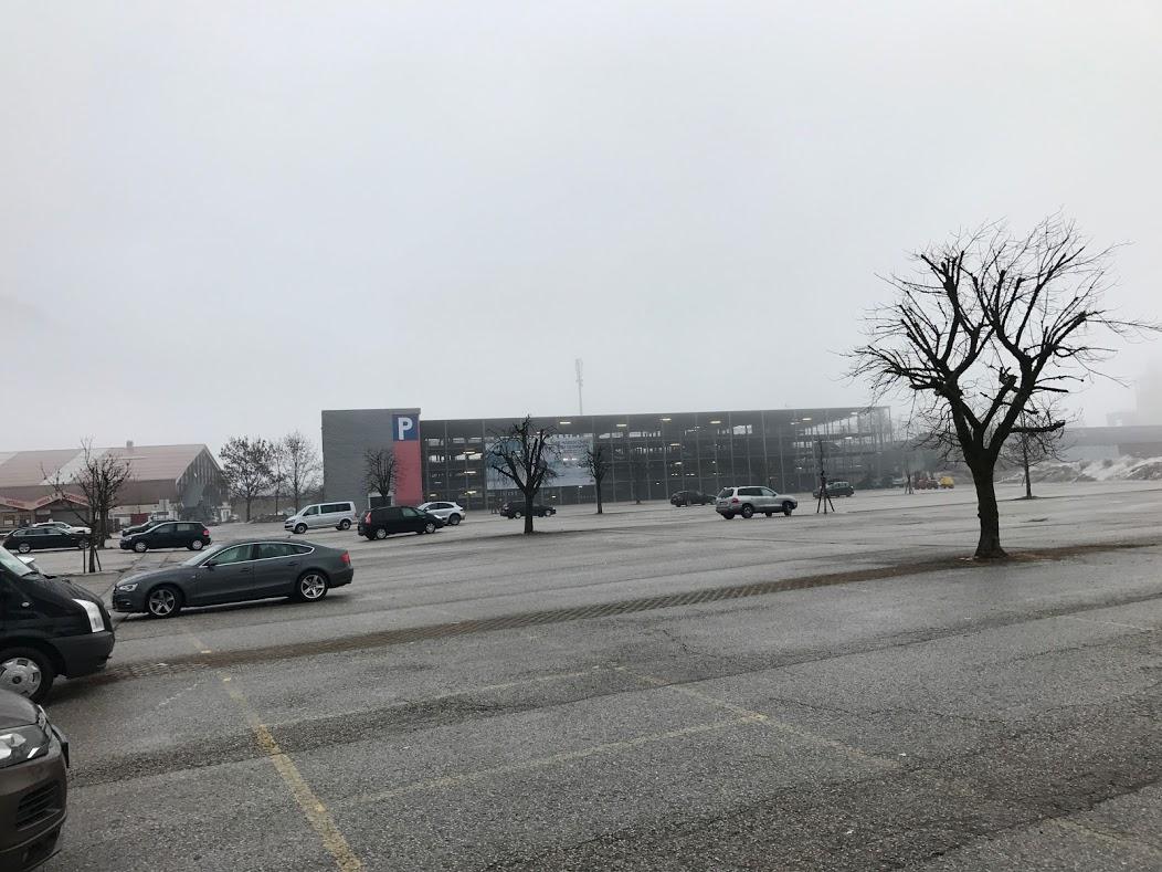 Parkeringsplads kl. 7.30 Kaltenbach