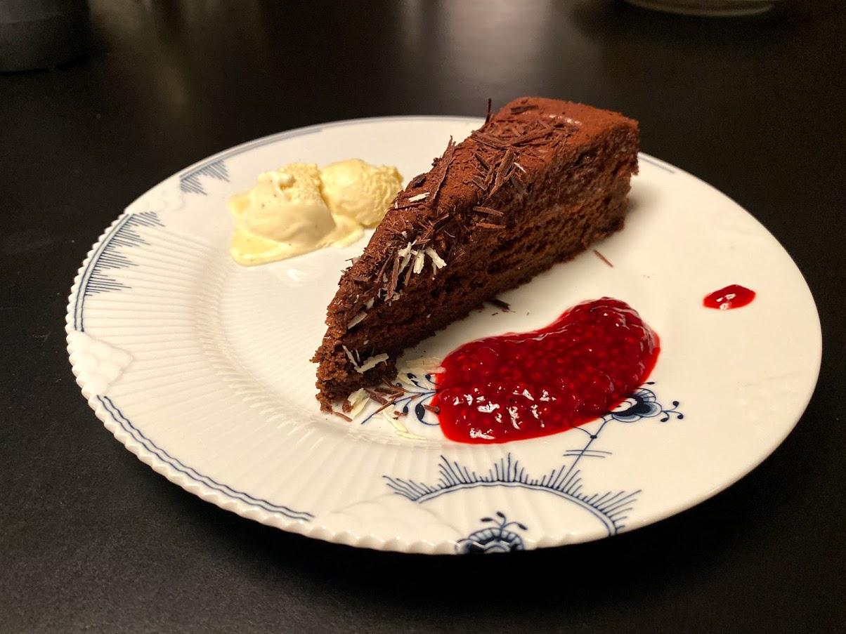 Opskrift Gateau Marcel garteau marcel på chokoladekage hindbærcoulis hindbær sauce Gâteau michel michaud
