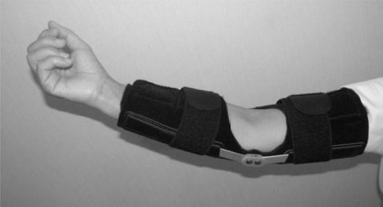 https://www.physio-pedia.com/images/3/34/Elbow_brace.jpg