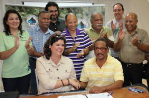 Firma de acuerdo colaborativo entre  Iniciativa de Eco-Desarrollo de Bahía de Jobos (IDEBAJO y el DRNA.