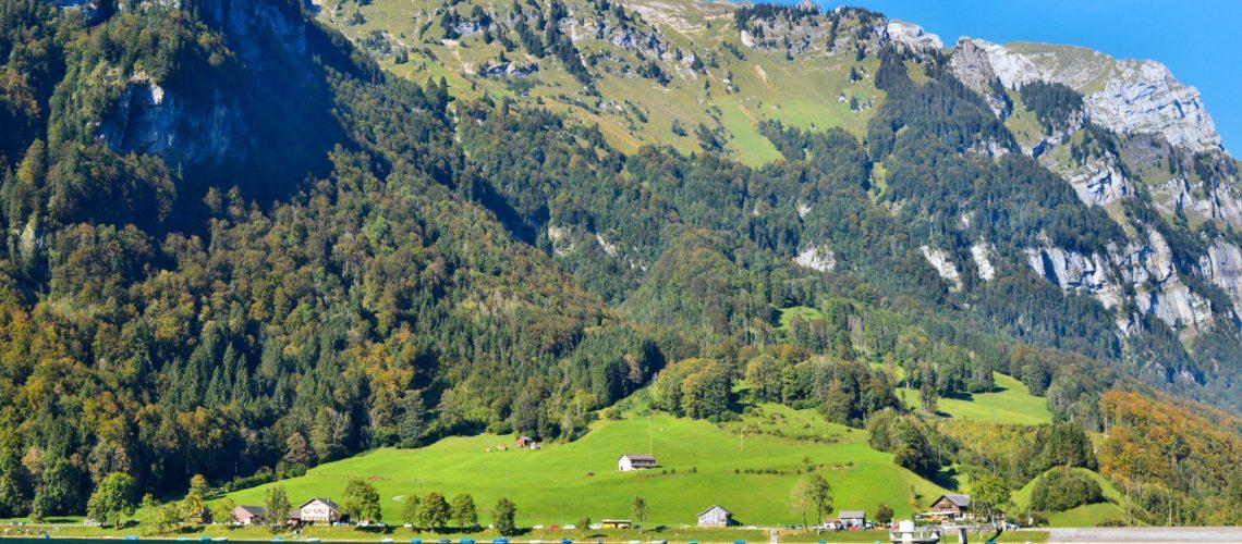 Glarus: Klöntalersee