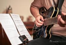 5 best applications to learn guitar