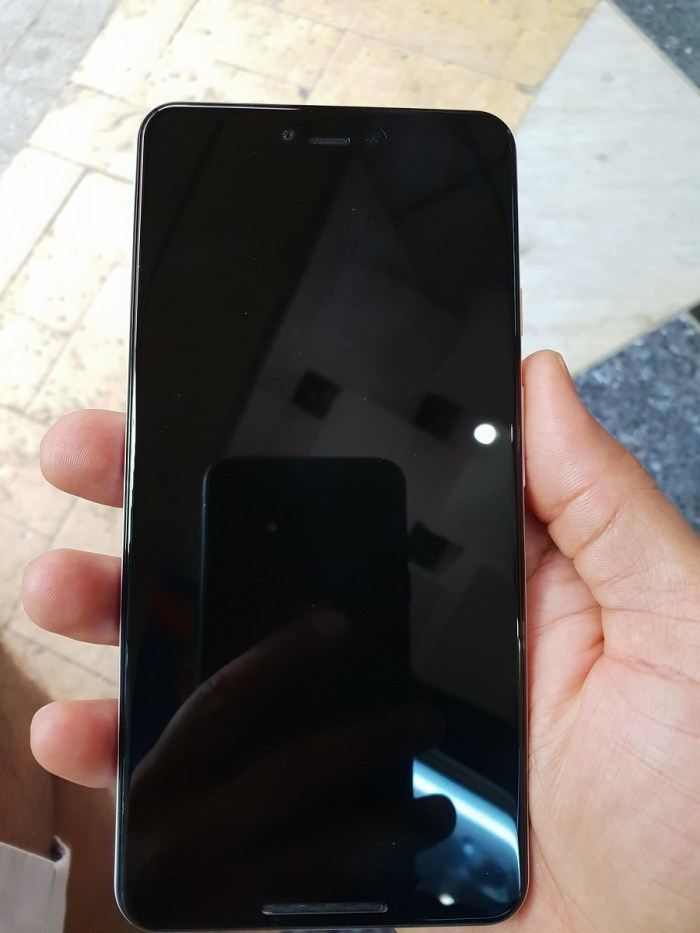 Google Pixel 3 XL from Front