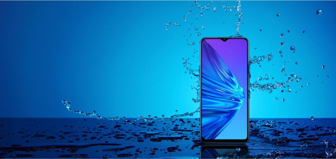 Realme 5 has a Splash Resistant Design