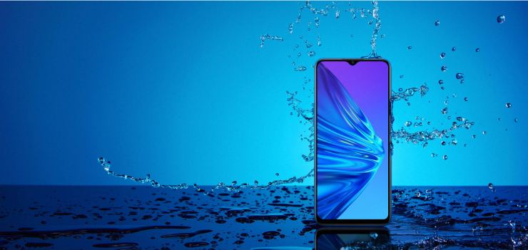 Realme 5 has a Splash Resistant Design