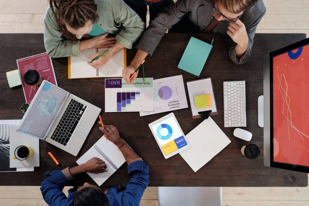 Choosing the Right Agency
