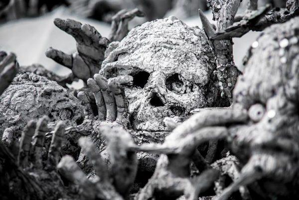 squelettes carbonisés si tu veux gagner de l'argent avec amour