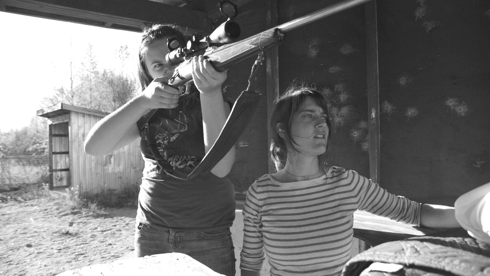 Photo de tournage du documentaire Un film de chasse de filles. PHOTO JUDITH DUBEAU