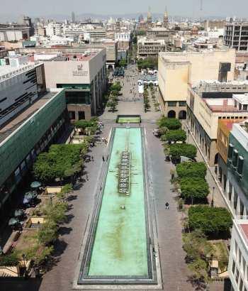 Vista aérea de la plaza tapatía desde el instituto cultural Cabañas