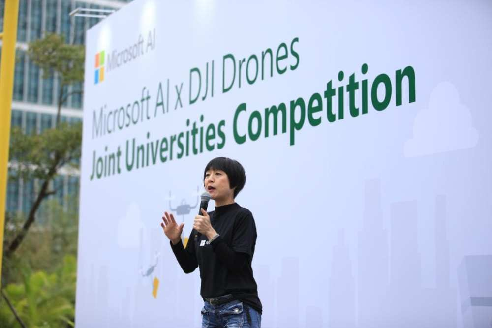 During the opening remarks, Cally Chan, General Manager of Microsoft Hong Kong welcomed guests and students, highlighting the competition objective in preparing young talents to be future ready