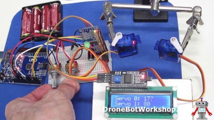 Dual Servo with LCD Demo