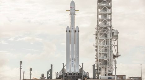 Drone video shows SpaceX's Heavy launch vehicle at Launch Complex 39A 2