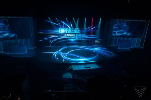 Intel shows off with 100 tiny drones flying inside at CES 2018 4