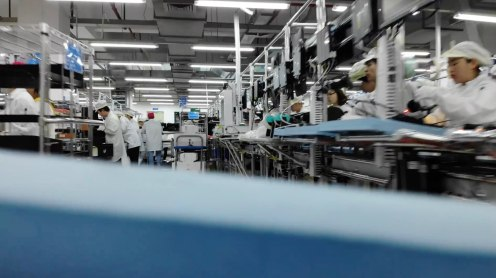 Take a look inside DJI's factory as a Mavic Air records the final steps of its assembly 4