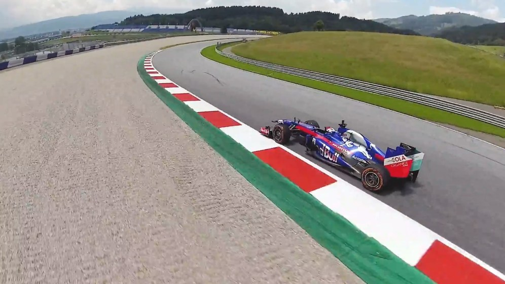 Watch this racing drone take on a Honda Red Bull Formula One car driven by Marc Márquez! [video]