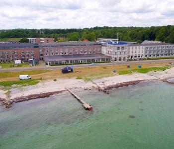 dronefoto taget af dronefyn for Hotel Nyborg Strand, billede taget fra vandet