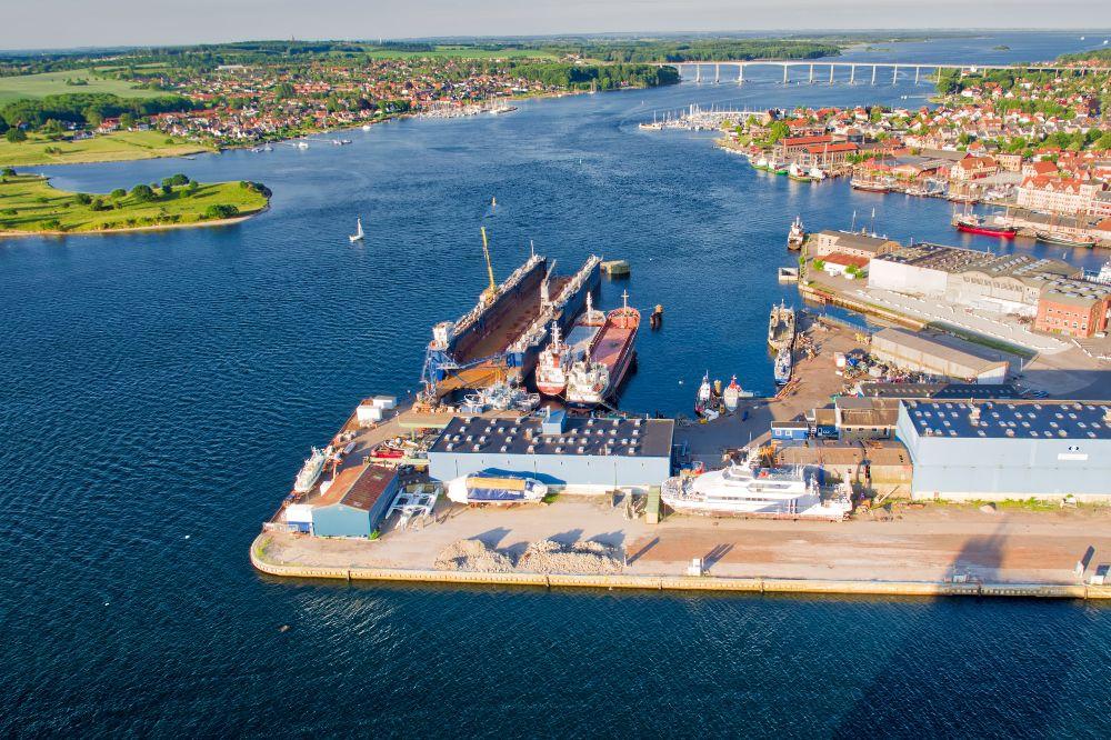 Svendborg havn set mod vest fra drone