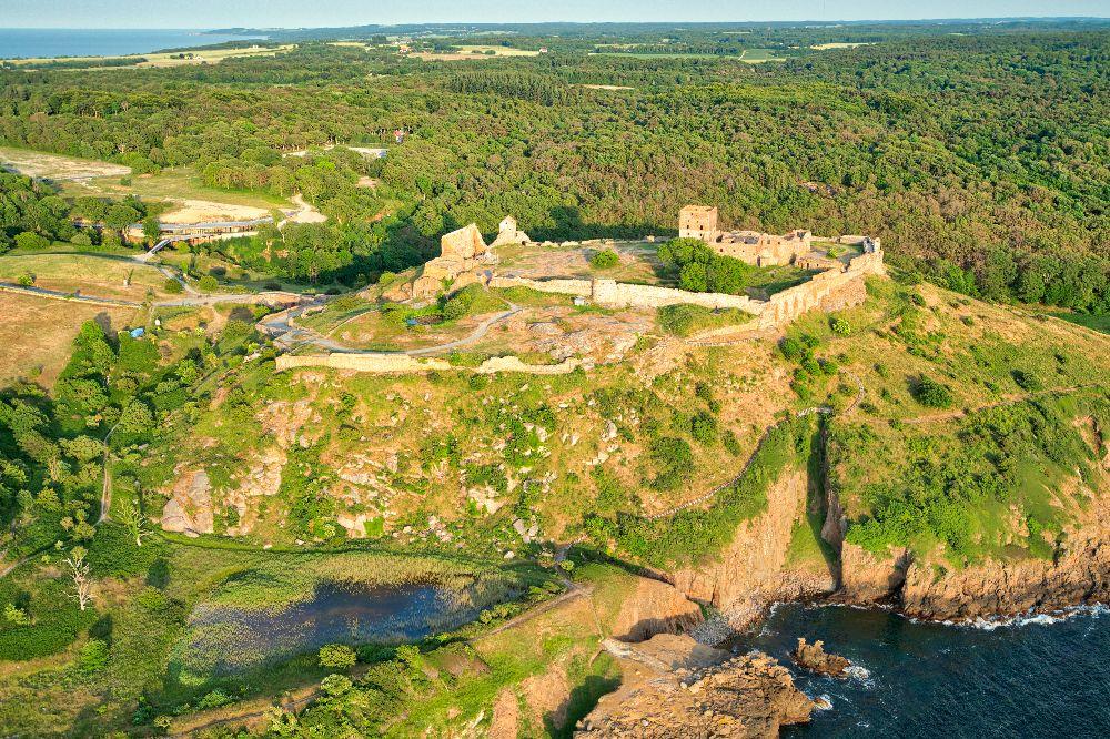 Dronefoto af Hammershus