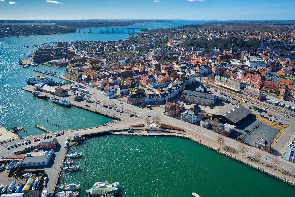 dronefoto af svendborg havn