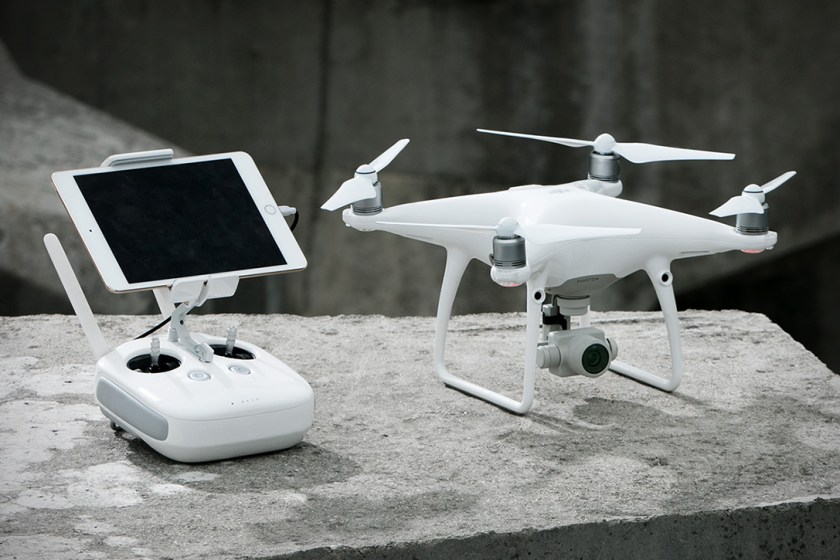 DJI-Phantom-4-Advanced-00