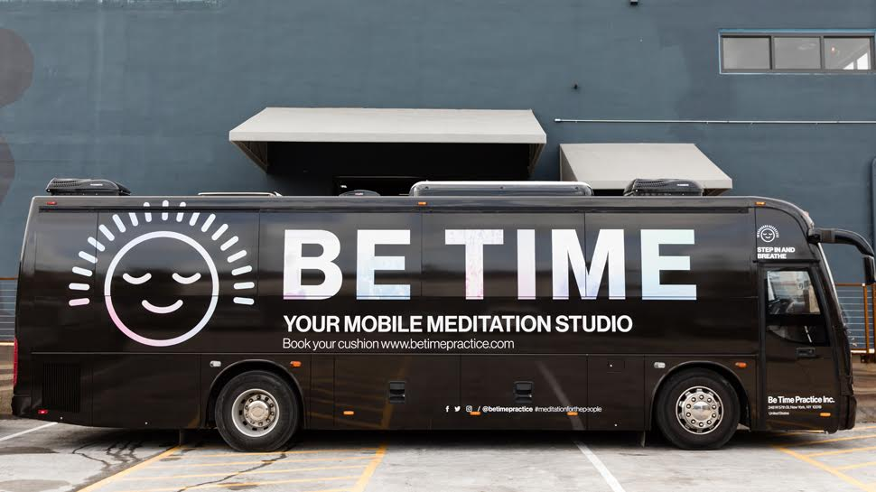 Be Time Bus Exterior - Black