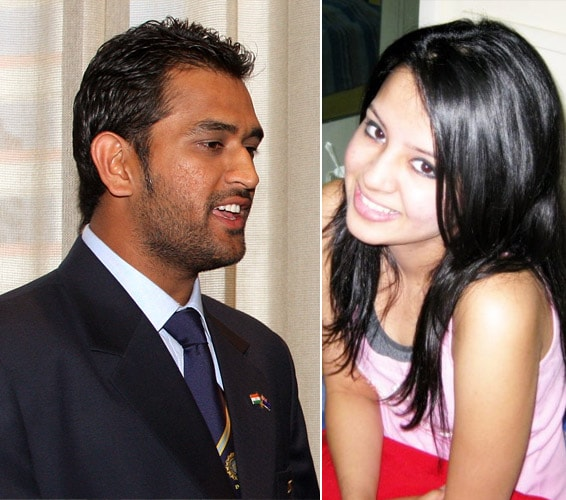 Dhoni gets engaged