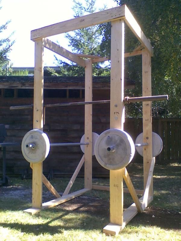 A homemade but sturdy-looking power cage.