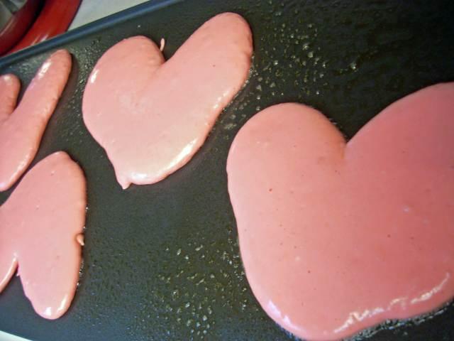 heart-pancakes
