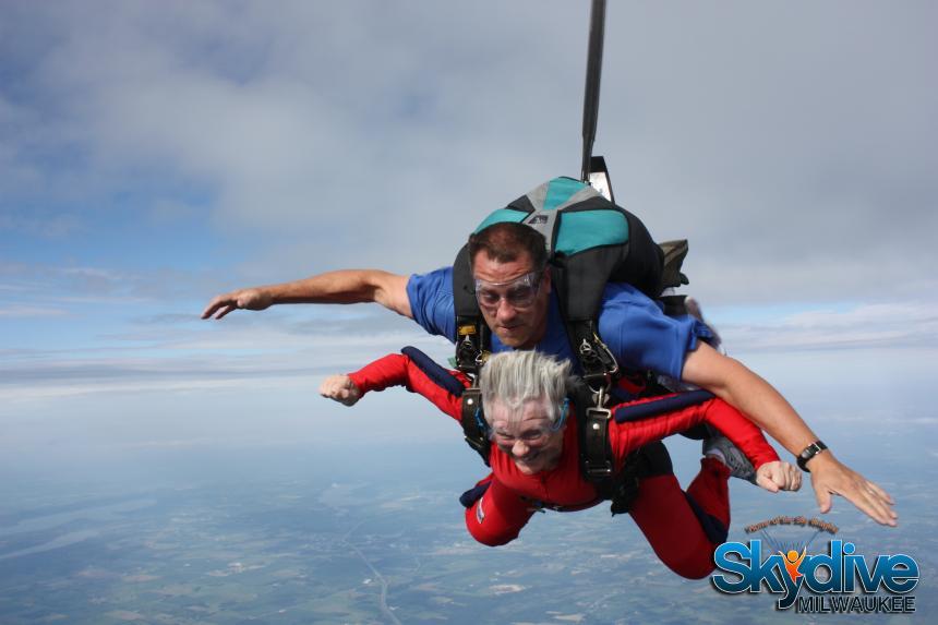 Skydive Milwaukee/Sky Knights Sport Parachute Club