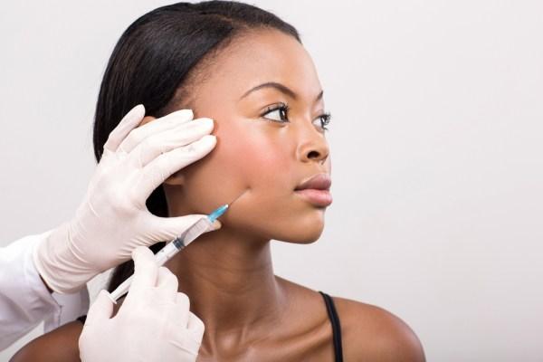 Preenchimento facial com ácido hialurônico