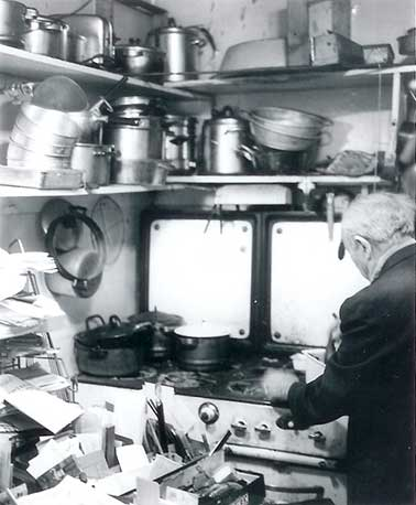Dr. Pietro Rotondi cooking in his famous kitchen