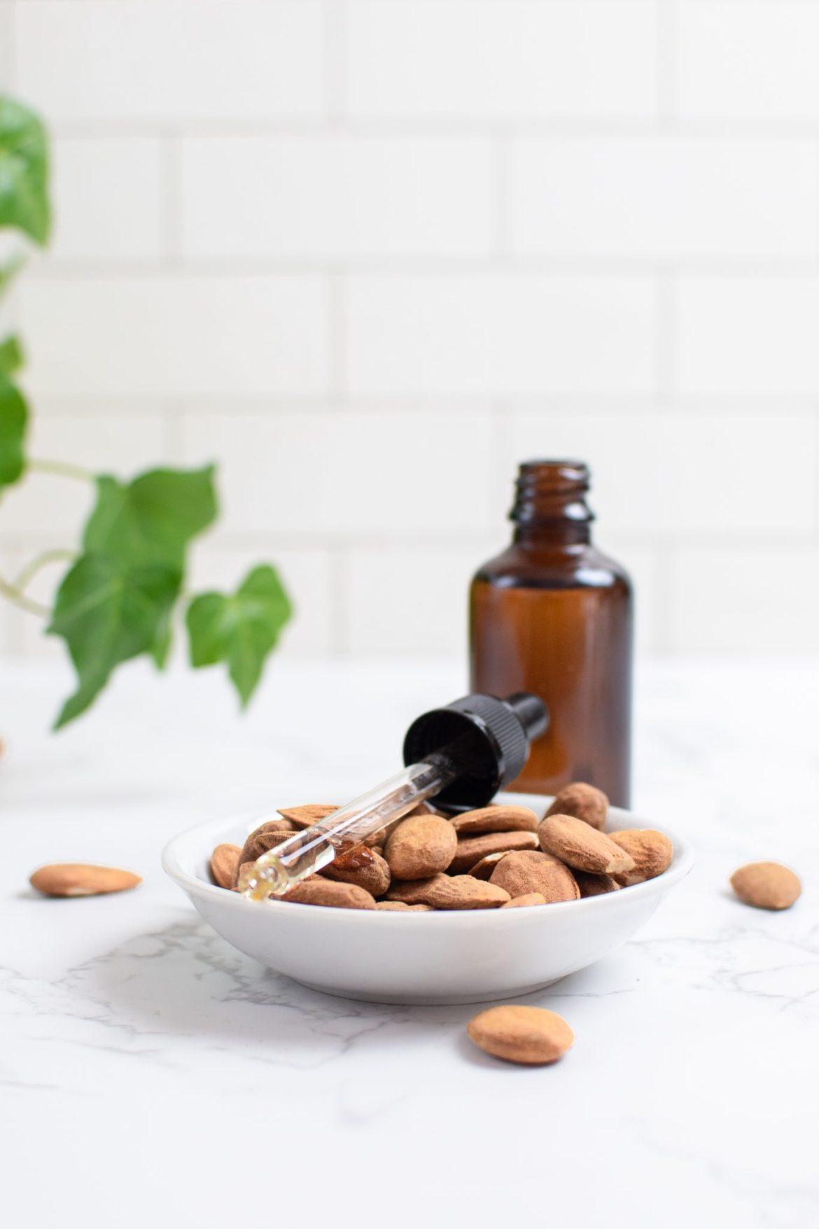 Almond oil moisturizer - Dr. Pingel