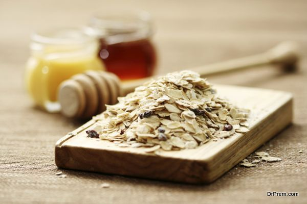 oatmeal and honey - beauty treatment