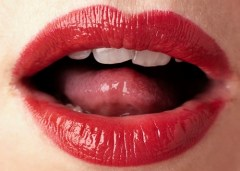 Hill Chiro_Oblivious_Open Red lips