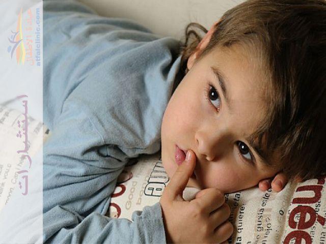 إبني 5 سنين لاحظت وجود دم مع البراز عند الاخراج Ola