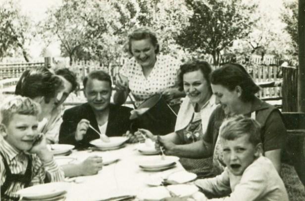 family dinner- small