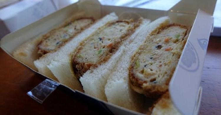 箱根強羅超名物–好吃的炸豆腐排三明治 銀かつ工房