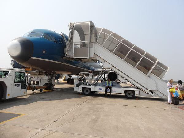 來胡志明機場吃河粉–BIG BOWL PHO