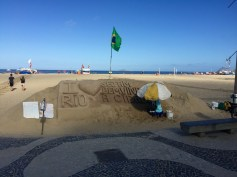 There are a ton of sand sculptures like this, but the really good ones charge a fair bit for a photo.