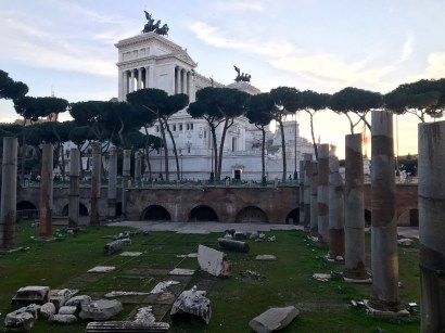 The side of the Altare della Patria