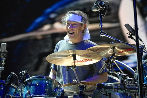 Alex Van Halen Bashing Crashing And Smashing Drum Magazine